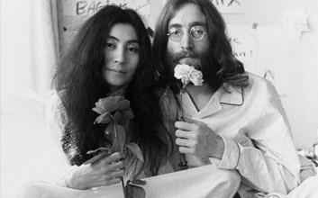 John Lennon relax