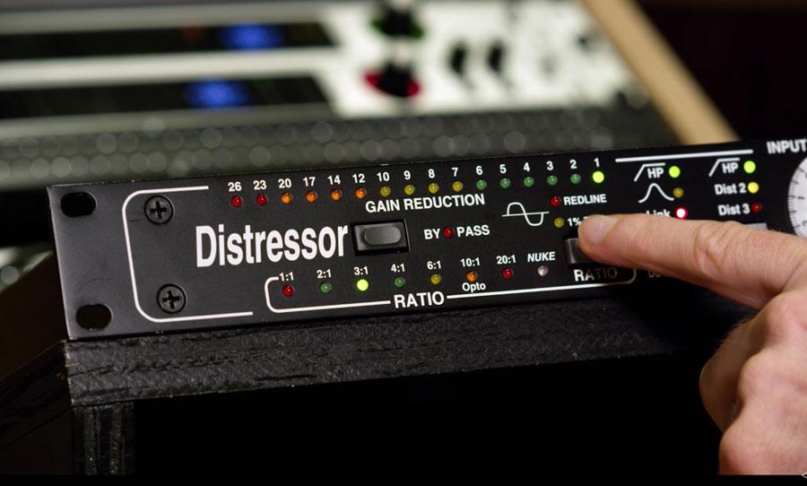 Distressor
